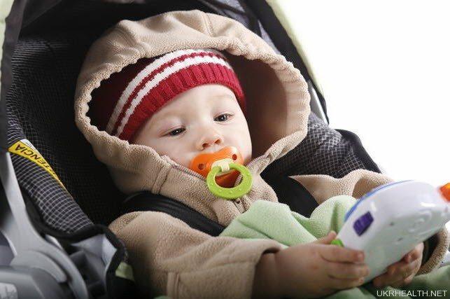 Як захистити дитину від простуд навесні