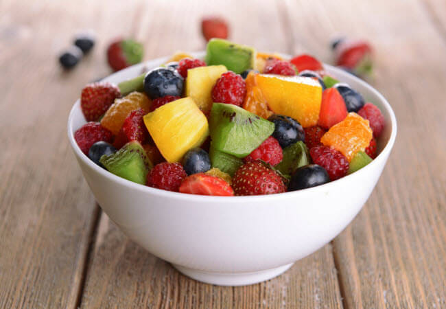 фрукти влітку