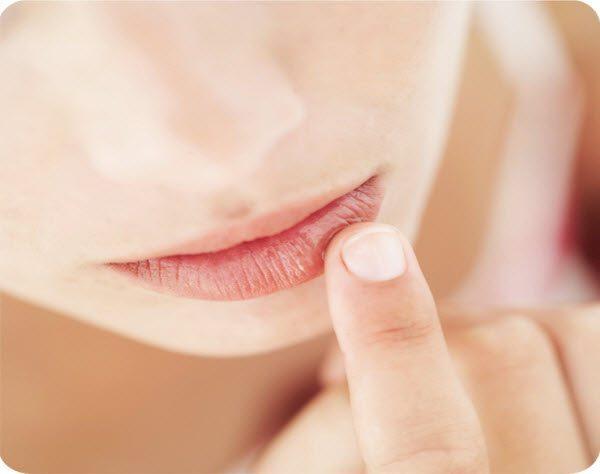 опухла губа