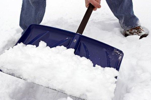 розчищати сніг