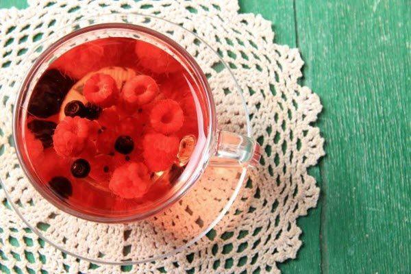 чай з ягодами