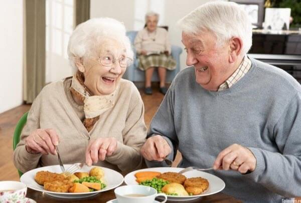 Харчування в літніх