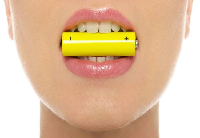 Переваги і недоліки відбілювання зубів