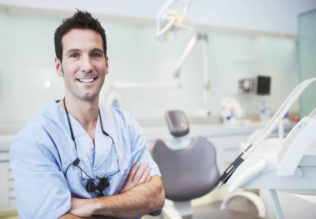 Видалення зубного каменю у домашніх умовах - думка стоматологів