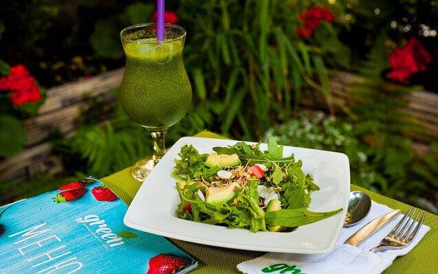 Green смузі і салат