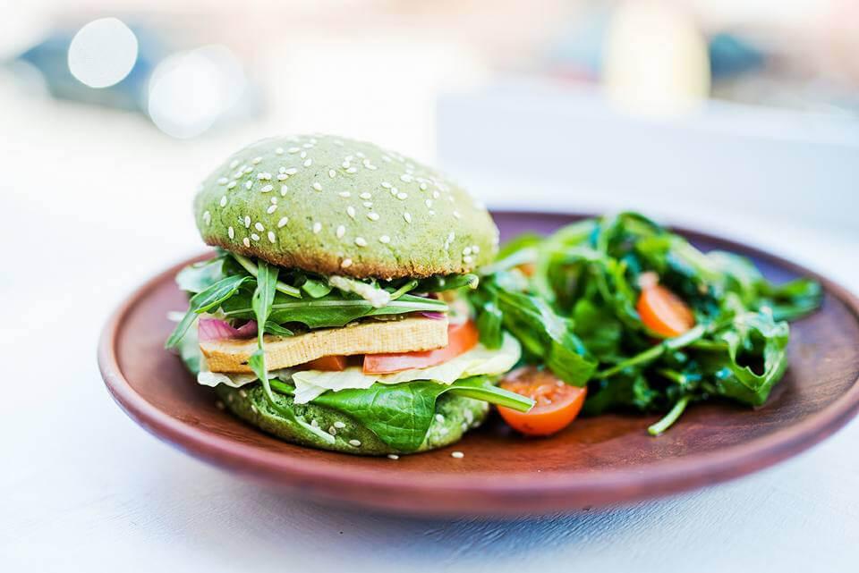 Green бургер з мікс-салатом
