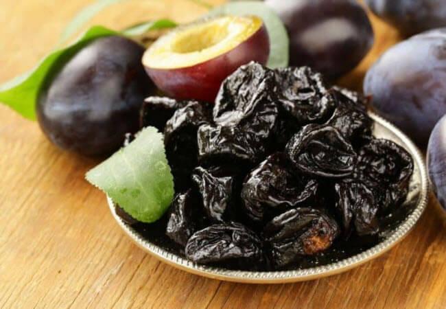 Користь сливи і чорносливу для здоров'я