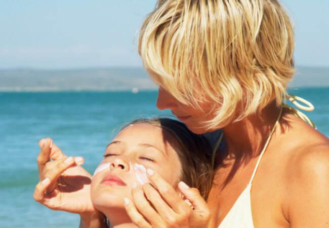 Як захистити обличчя від сонця