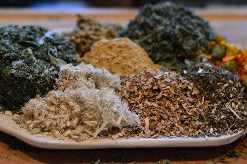 трав'яний чай при хворобливій менструації