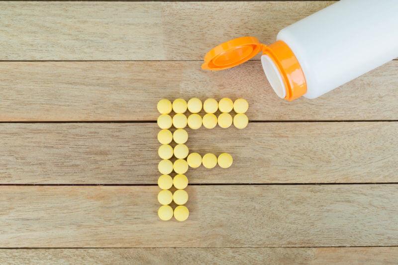 Вітамін F
