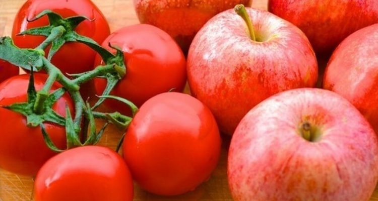 Помідори і яблука