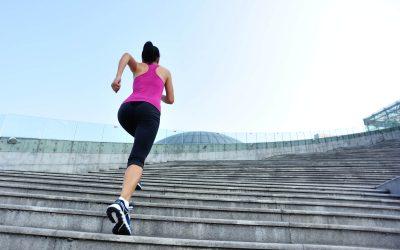 Підніматися по сходах