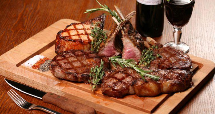 Вино і м'ясо