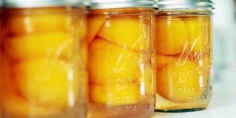 Консервовані персики