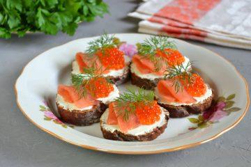 бутерброд з червоною ікрою