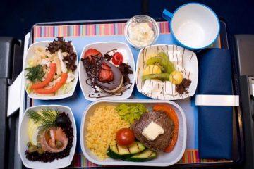 Їжа в літаку