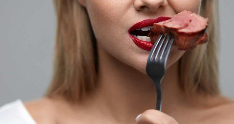 Їсти м'ясо