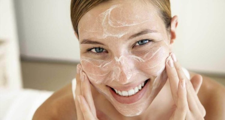 Правильный уход за проблемной кожей лица (жирной, сухой, чувствительной) | Альпика
