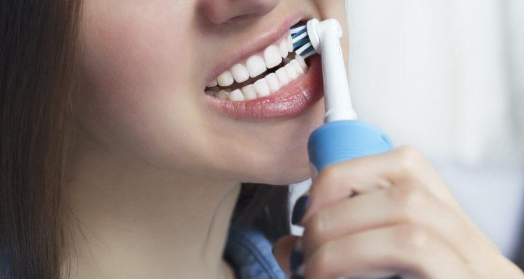 Зубна щітка