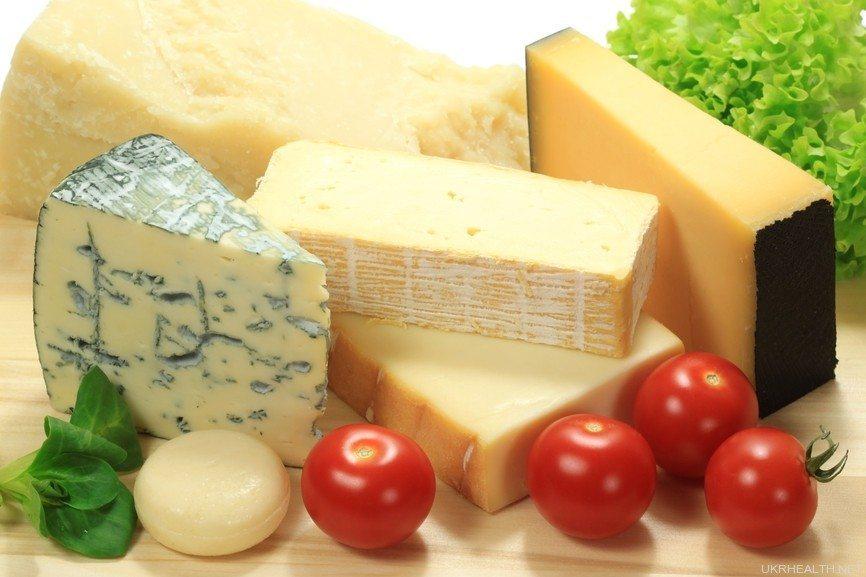 Сир з пліснявою: користь і шкода