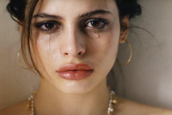 жінки плачуть
