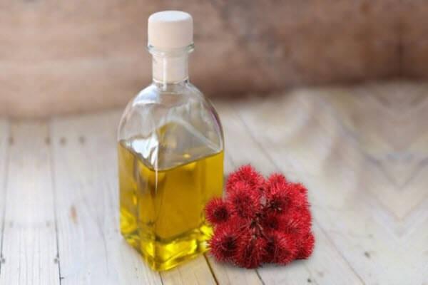 Очистити організм від шлаків касторовою олією